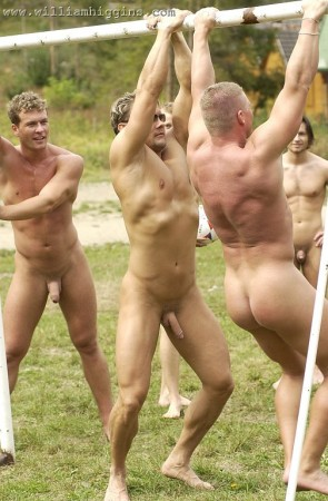 foto02-naked-men